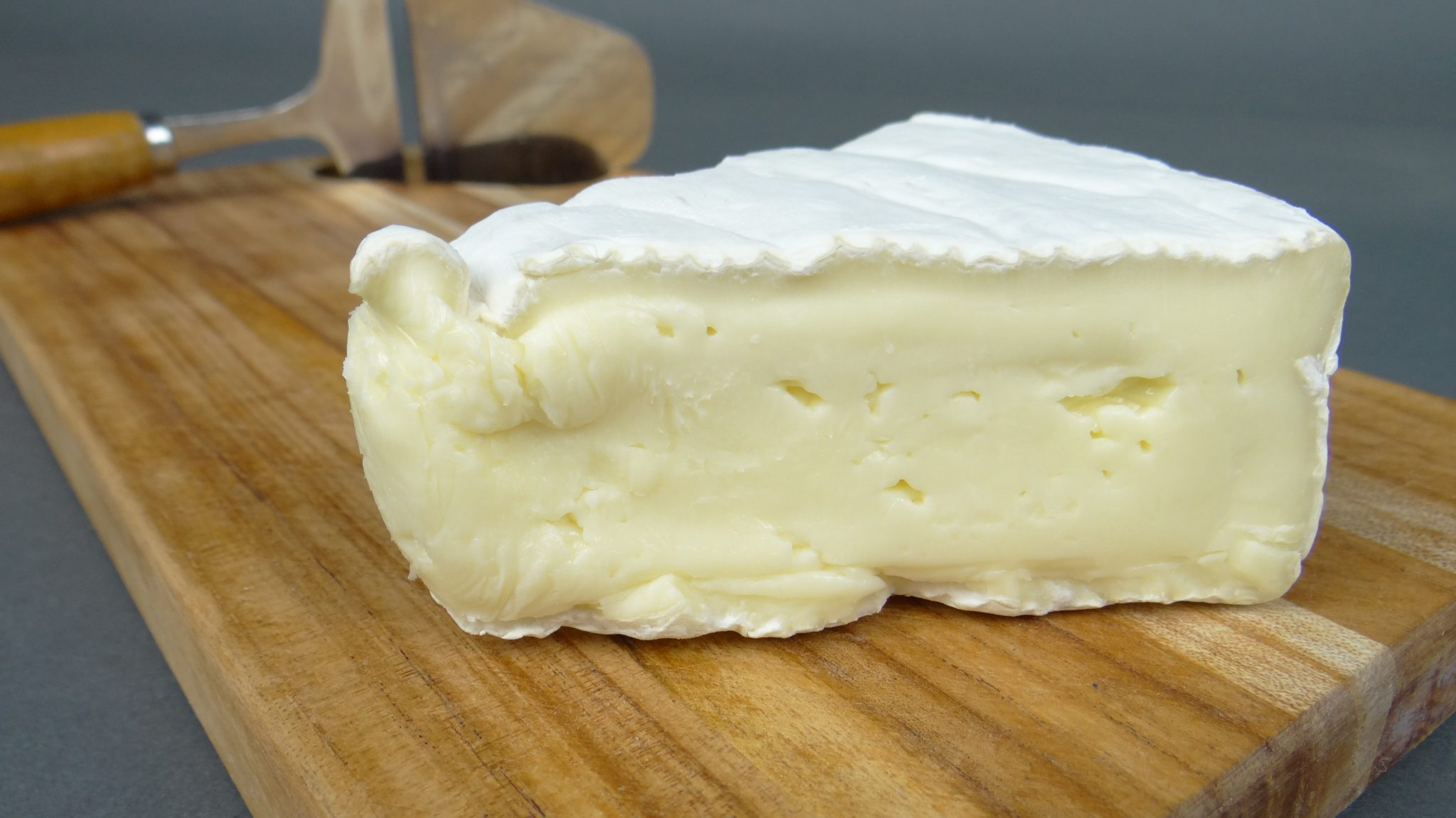 learn-different-types-of-cheese-brie
