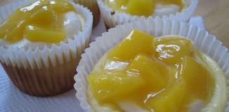 Mini-Cheesecake-with-Peach-Sauce