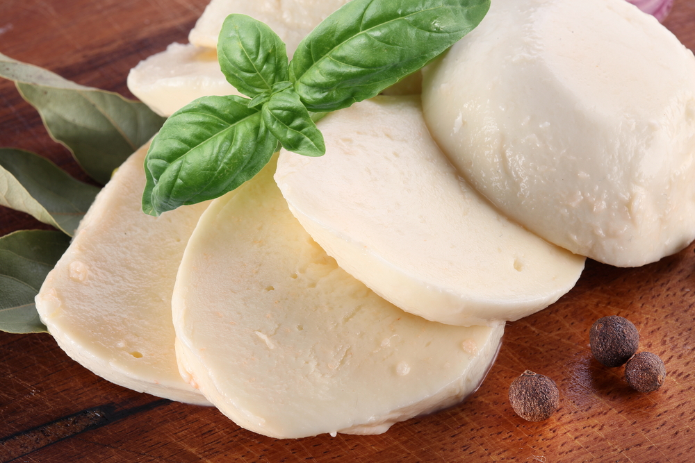 learn-different-types-of-cheese-mozzarella