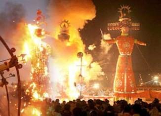 Burning the Ravana Effigy on Dussehra