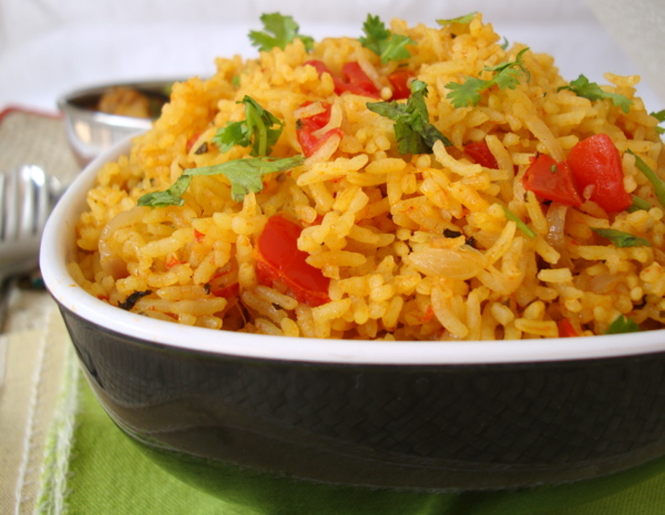 Thakkali Sadam - Spicy Tomato Rice Recipe