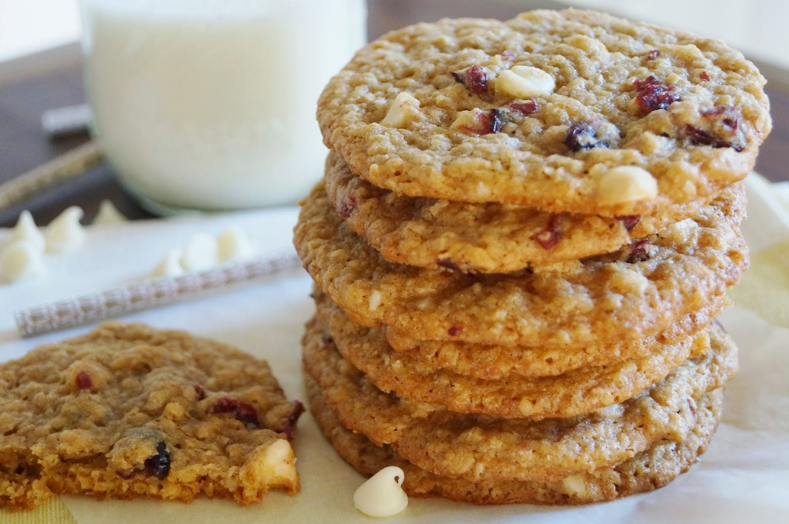 Scrumptious Oatmeal White Chocolate Cranberry Cookies