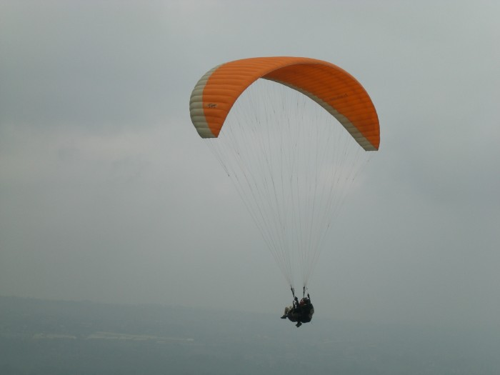 Paragliding in Puncak