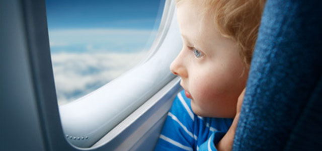 Play it Safe when Flying With Your Child