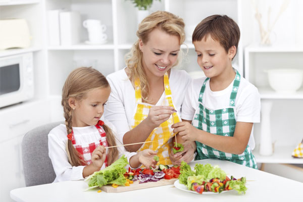 Make Meal Times Easier For Both Kids And Parents