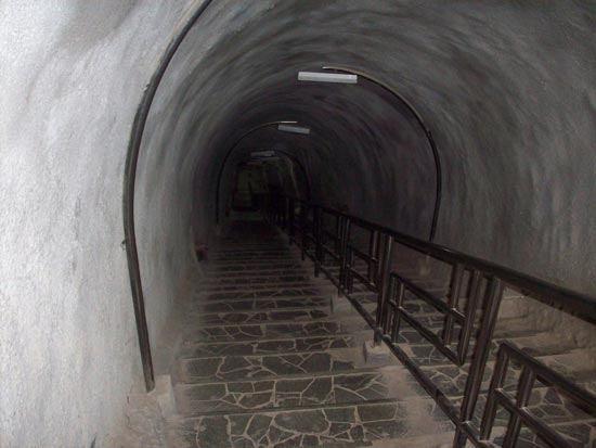 Japan Cave Lembang