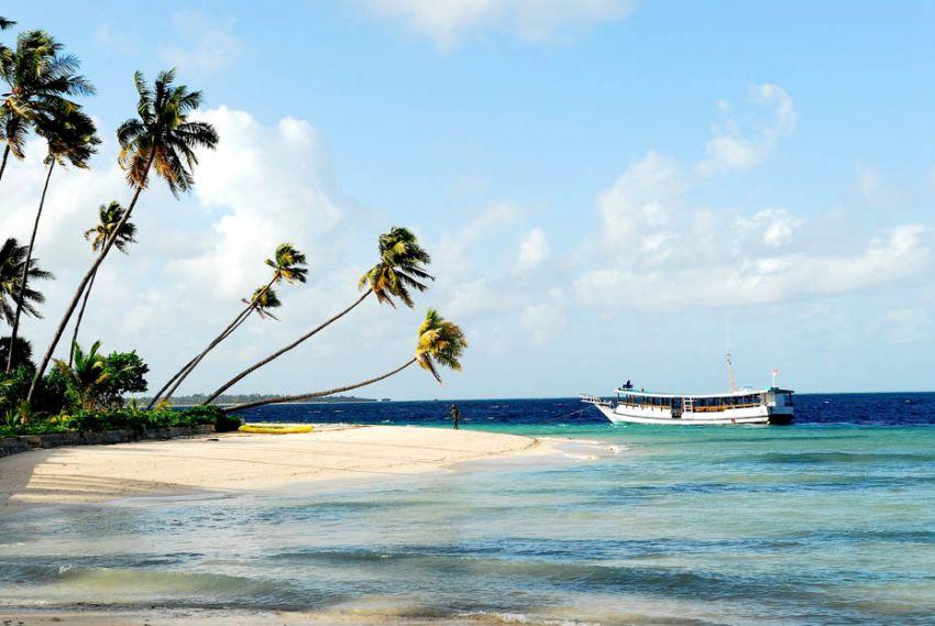 Ndaa Island Beach
