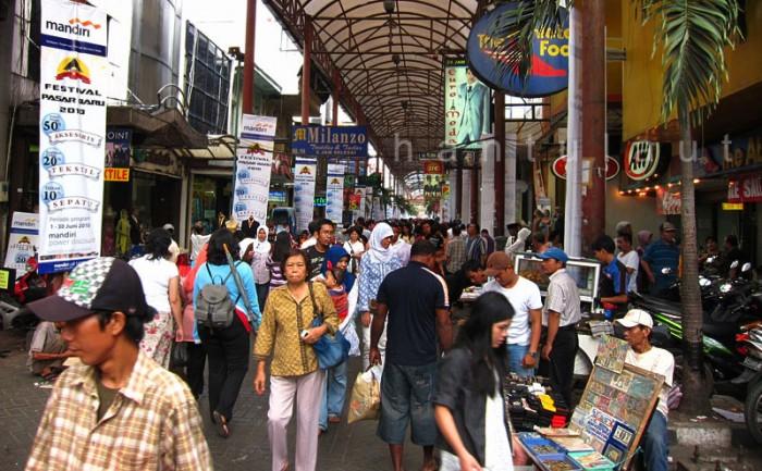 Shopping Guide: Pasar Baru Jakarta