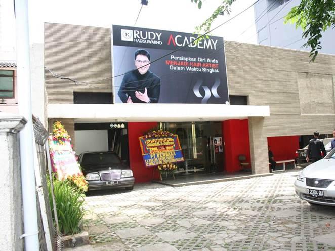 Rudy Hadisuwarno Academy