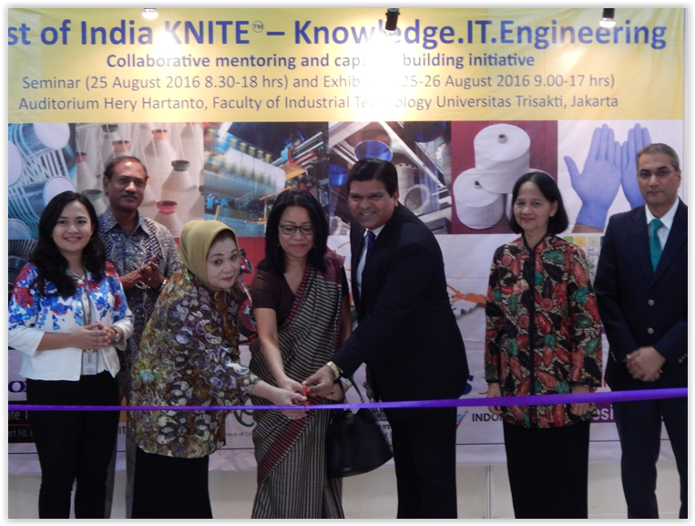 The Best of India KNITE Knowledge-IT-Engineering event is jointly launched by H.E Ambassador of India to Indonesia Ms Nengcha Lhouvum (center), Ibu Asri Adjidarmo of Trisakti University (to her left) and Mr Amol Titus of IndonesiaWISE (to her right).