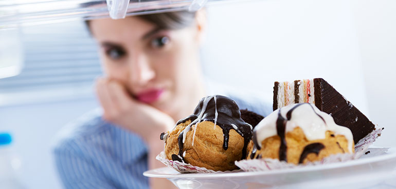 7 Ways to Stop Cravings for Unhealthy Foods