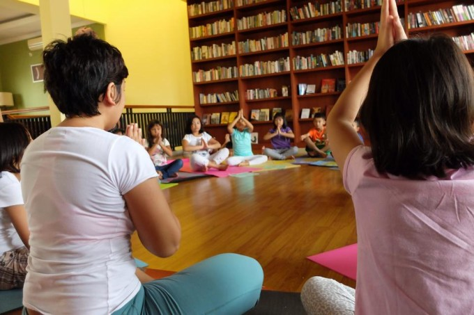 lalaland kids yoga