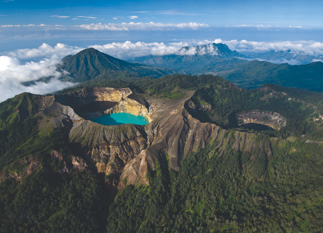 #WheretoGo: Hiking Mountains in Indonesia