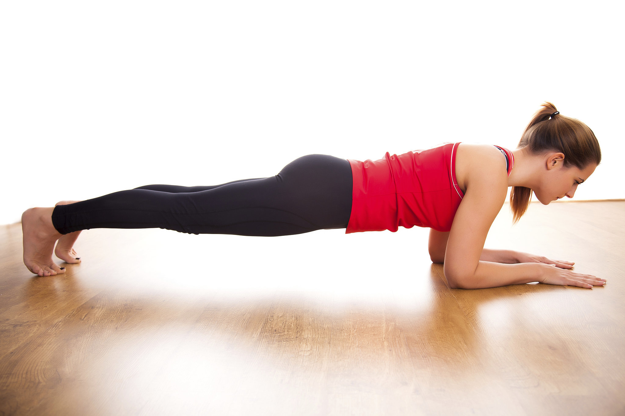 5 Benefits of Doing Planks Regularly