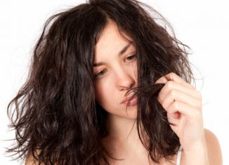 7 Mistakes You Don't Realize Can Damage Your Hair
