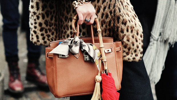 6 Everyday Objects You Can Use to Accessorize Your Bags