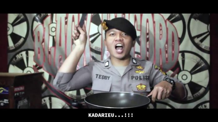 Viral: Police Officer Sings a Rap Song about Tahu Bulat