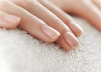 7 Ways to Have a Naturally Beautiful Nails