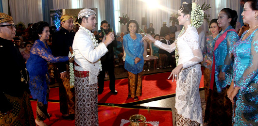The Magical Javanese Wedding Ceremony