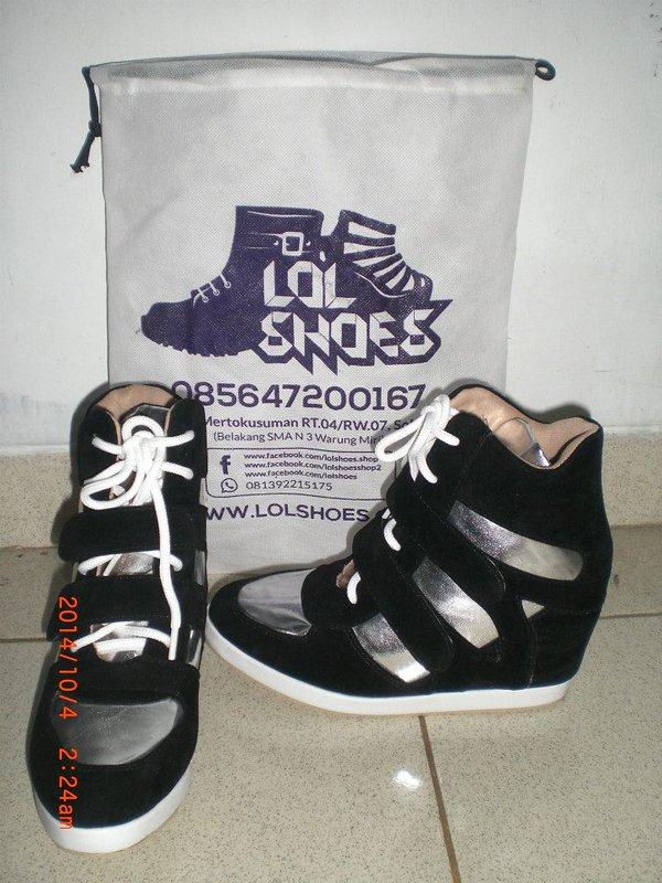 Pair Custom Handmade Shoes Made