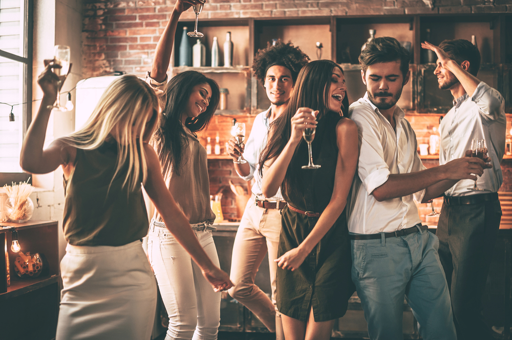 Tips to Have a Great NYE Party at Home