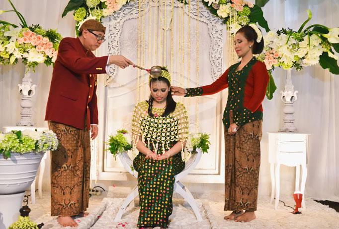 Traditional Wedding Ceremony.The Magical Javanese Wedding Ceremony Indoindians