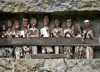 6 Weird and Eerie Indonesian Traditions
