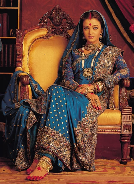 Aishwarya Rai's iconic Bengali saree style from the movie Devdas