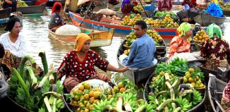 6 Must Visit Floating Markets in Indonesia