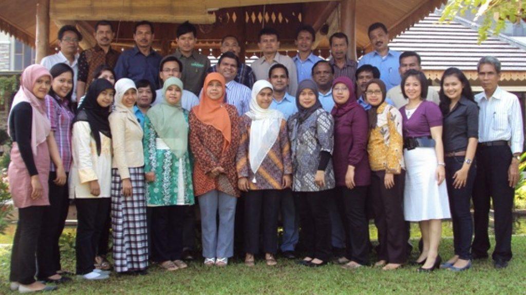 Amol Titus mentoring mid career executives at Indonesian factories