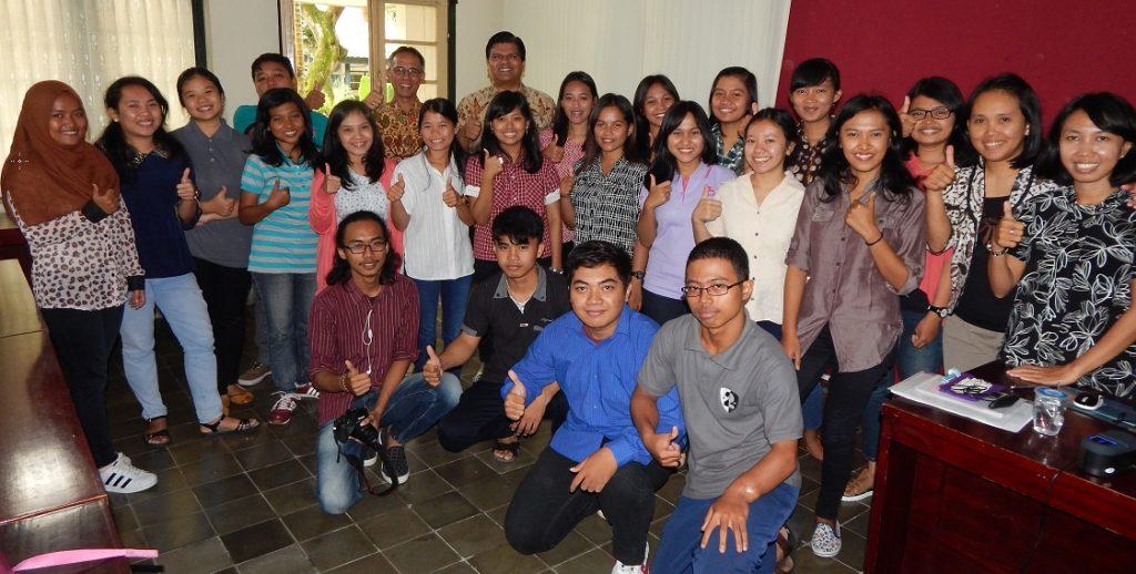 Amol Titus with students of Universitas Sanata Dharma
