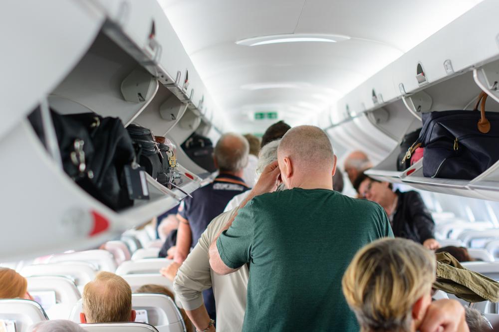 9 Airplane Etiquettes for a Pleasant Air Travel