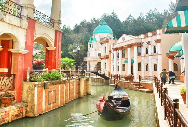 little-venice-kota-bunga-visit-puncak-for-relaxed-holiday-with-family-indoindianscom