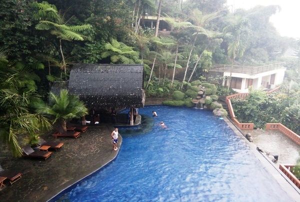 sangria-resort-5-resorts-to-consider-for-a-romantic-Getaway-in-Bandung-indoindianscom