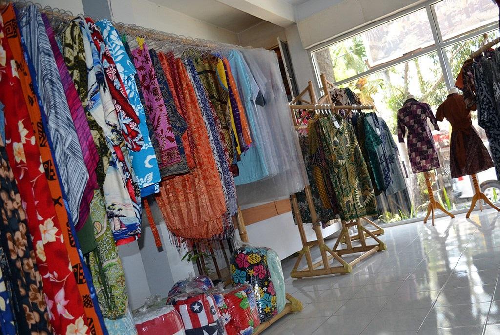 batik-top-indonesian-souvenir-from-bali