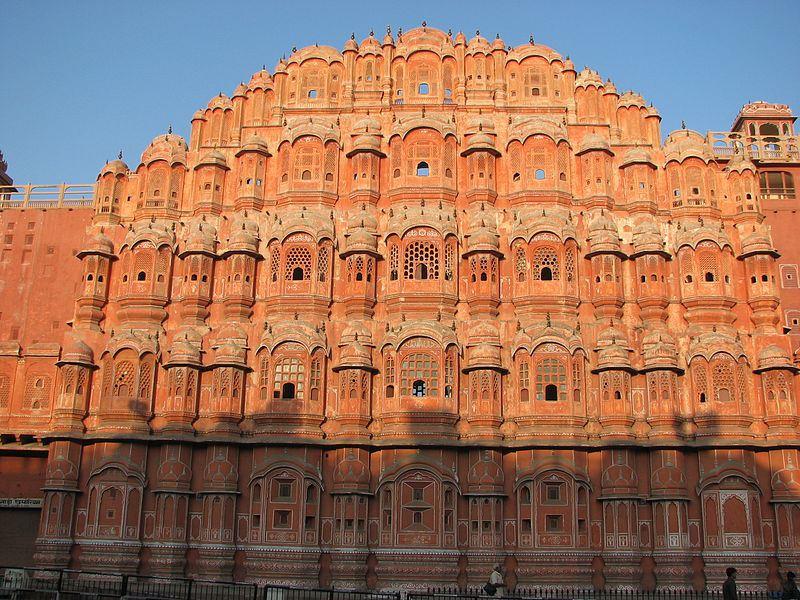 hawa-mahal-agra-pengalaman-liburan-istimewa-di-segitiga-emas-India