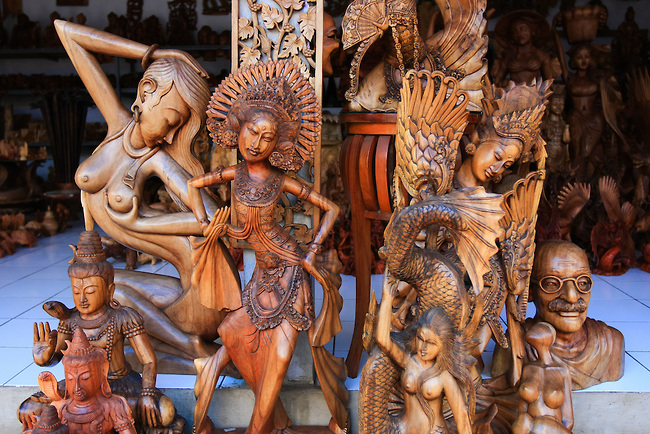 wood-carvings-top-indonesian-souvenir-from-bali
