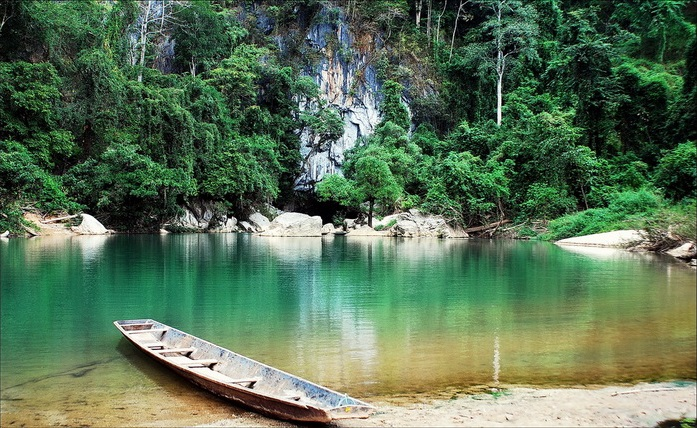 explore-laos-five-remarkable-things-to-do-kong-lor-cave