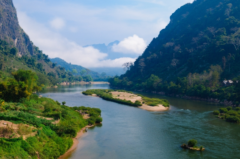 explore-laos-five-remarkable-things-to-do-nong-khiaw-ban-soup-houn