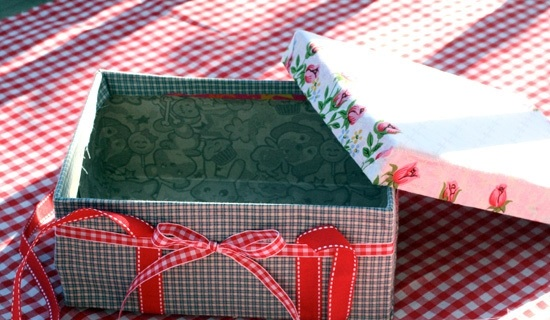 7-ways-to-reuse-shoe-boxes-picnic-box