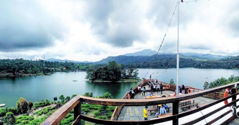 11-restaurants-in-bandung-with-breathtaking-views