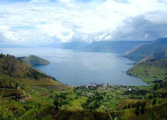Stories-and-Myths-from-Lake-Toba-Sumatra-Lake-Toba-(2)