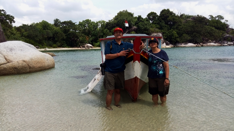 Island-Hopping: pristine shallow waters around the islands