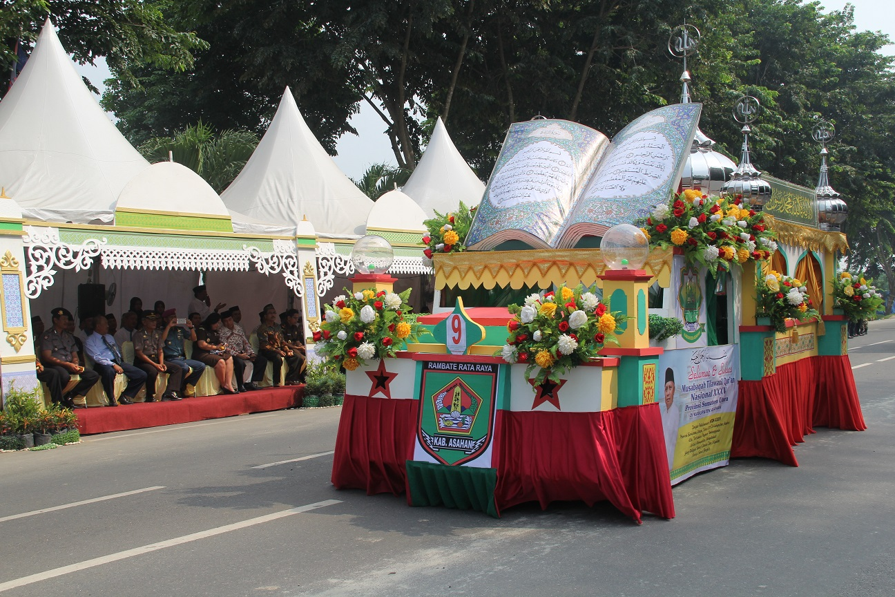 6-unique-regional-traditions-in-indonesian-independence-day-decorative-cars