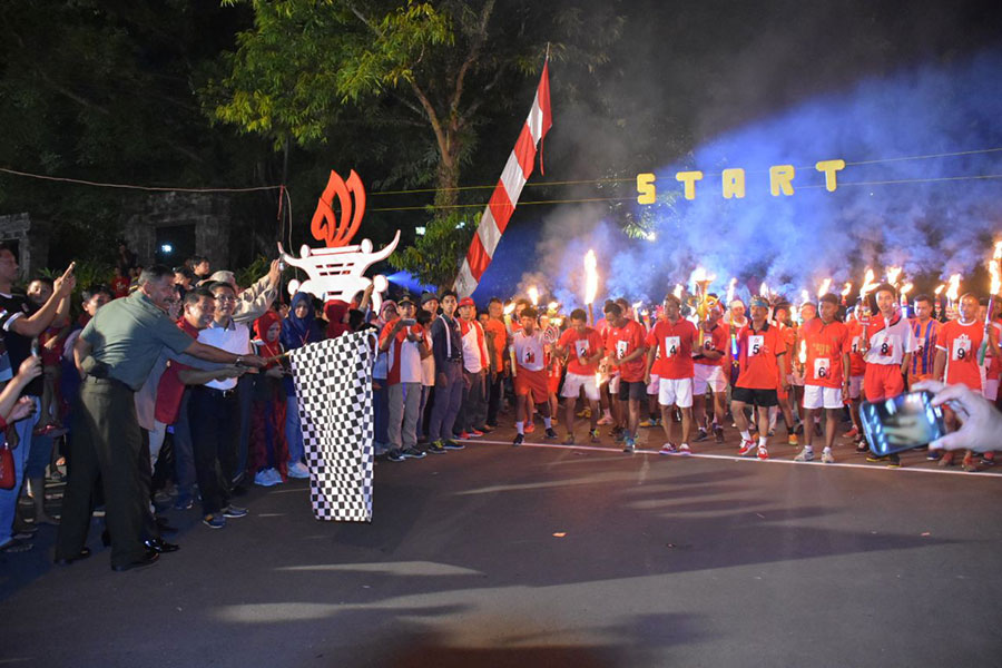6-unique-regional-traditions-in-indonesian-independence-day-torch-relay-race