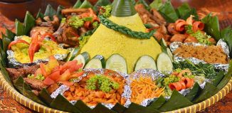 Indonesian-Special-Occasion-Food-Nasi-Tumpeng-Recipe