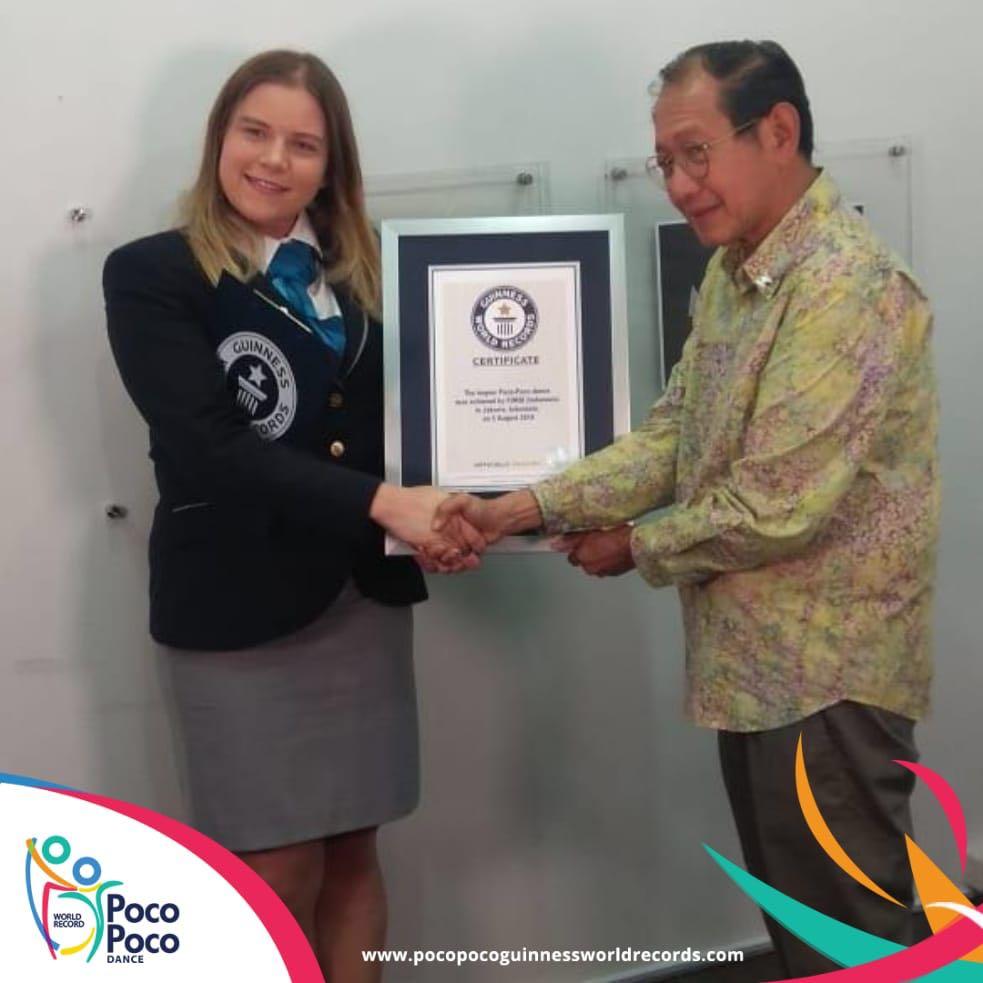 Awarding Guinness World record for Poco Poco