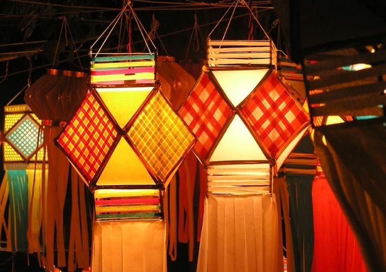 Kandeel or paper lanterns for diwali