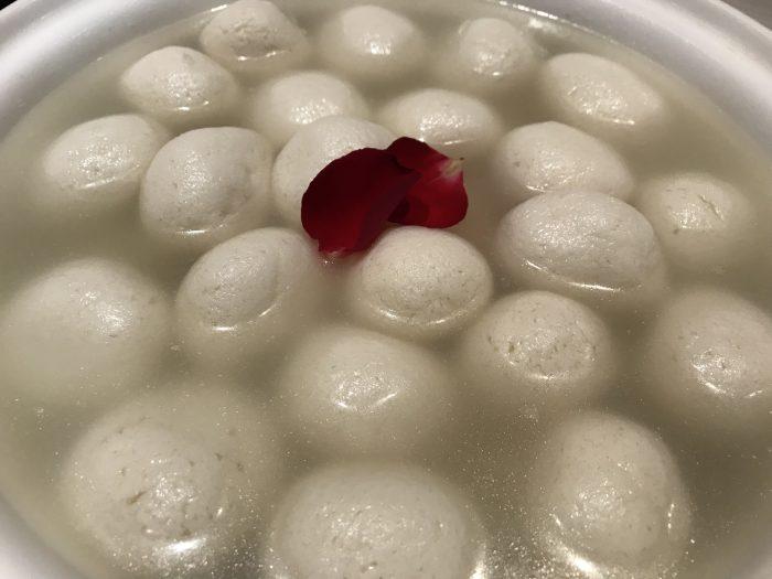 What's Up Chef: Rasgulla Recipe by Vijaya Birla