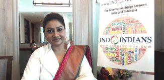 Dolly-Jain-Fastest-Saree-Draper-in-the-World